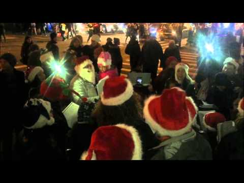 Christmas Carols on 5th Ave in Manhattan, NYC