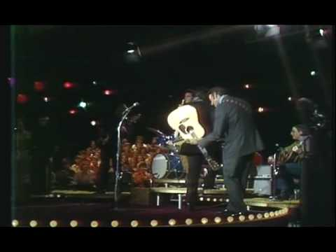 Johnny Cash Show: Johnny Cash - A Boy Named Sue (HQ)
