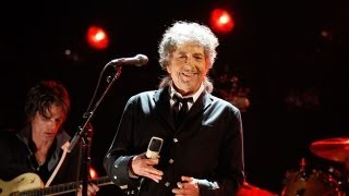 """Bob Dylan: Plagiarism Critics Are """"Wussies and Pussies"""""""