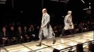 Versace Men's FW15/16 Fashion Show Thumbnail