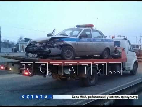 Видео: Во время погони со стрельбой полицейские разбили служебный автомобиль, но преступников задержали