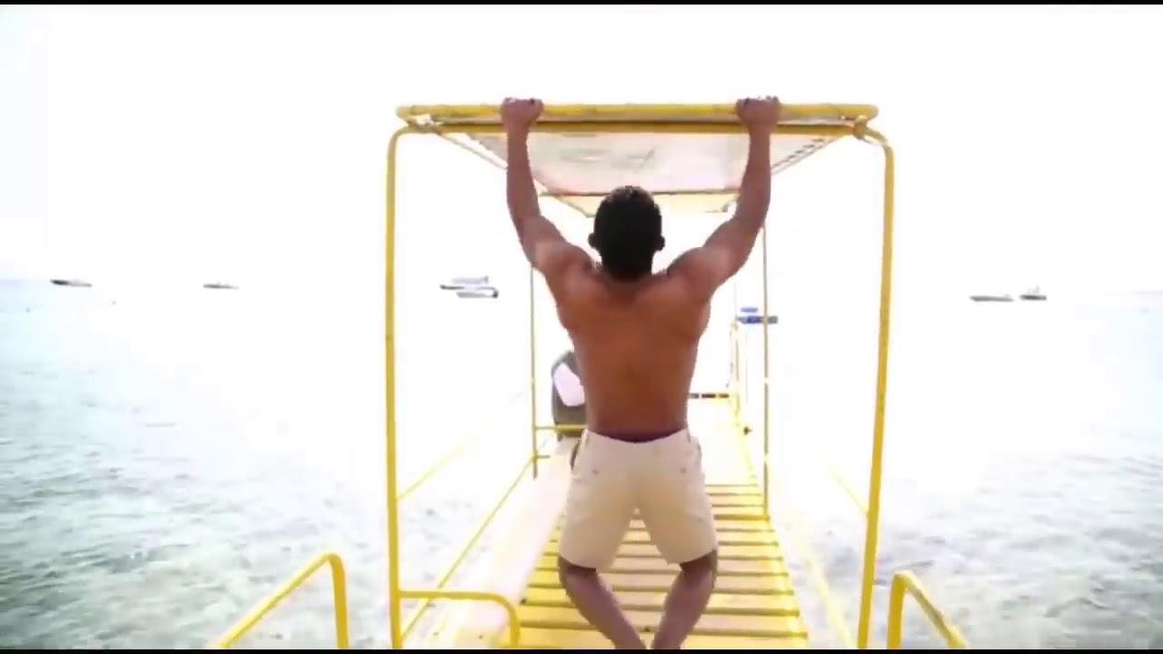 #النجم الكبير محمد رمضان يستعرض عضلاته في مسلسل (نسر الصعيد) و هو يلعب (عقله) | 2018
