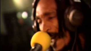 Israel Vibration - Feeling Irie (live with Roots Radics, Dutch TV 1997, 2 Meter Sessies)