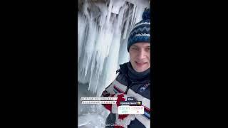 Александр Энберт на Байкале в ледяных пещерах