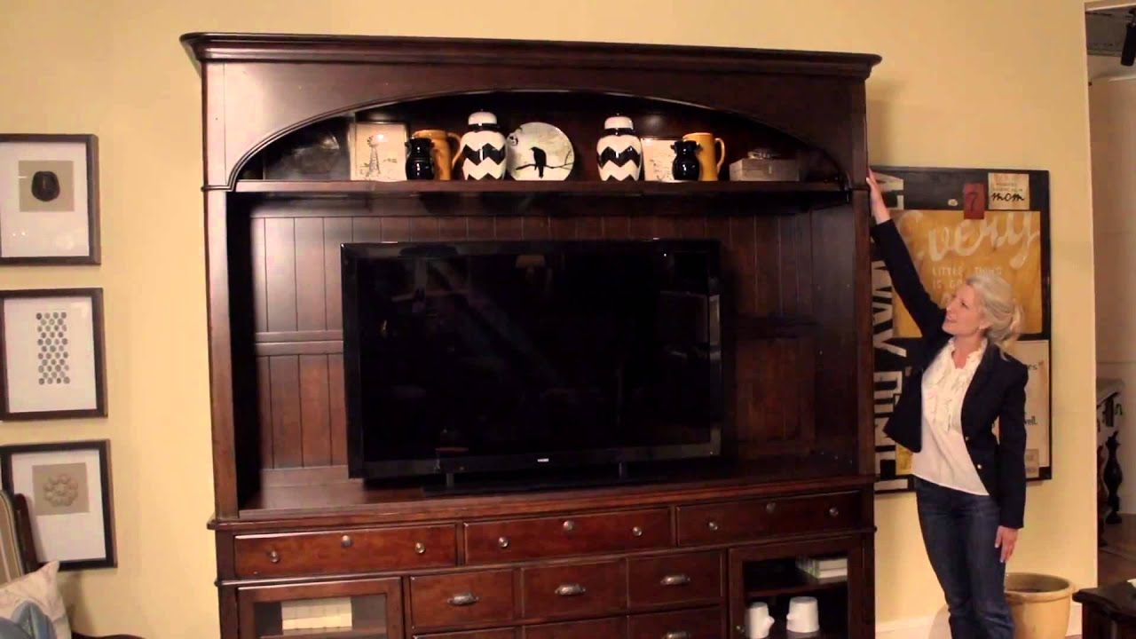 Paula Deen Home River House Entertainment Console And Hutch From