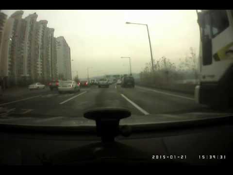 Hyundai Equus rear ends and run