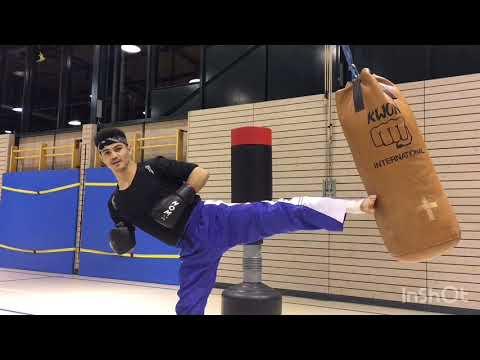 Kickboxing Training am Sandsack, paar Kombinationen für deine Disziplin beim mitmachen am Sandsack