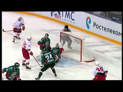 Emil Garipov unbelievable glove save on Peter Regin