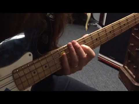 Beginning Bass Riffs - Elvis Hound Dog and T. Rex Baby Boomerang ...