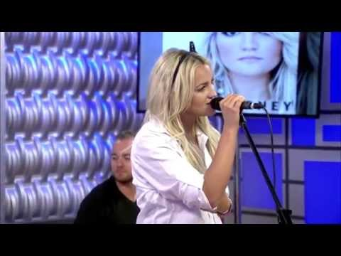 Jamie Lynn Spears Performs Live