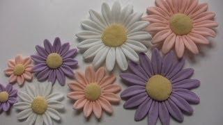 FIORI  IN PASTA DI ZUCCHERO , MARGHERITE , FLOWERS SUGAR   DAISIES