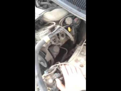 how to tell if your engine is low on oil