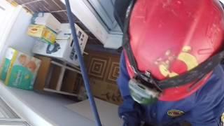 ВИДЕО: Внук запер бабушку на балконе ярославской многоэтажки