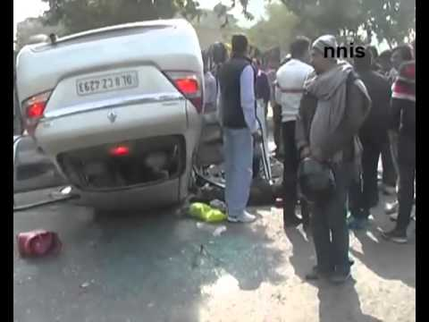 Major Accident In Delhi- Sports Car  Hits Renault, Two Killed