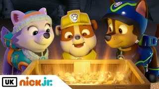 Paw Patrol | Pups Save an Outlaw's Loot | Nick Jr. UK