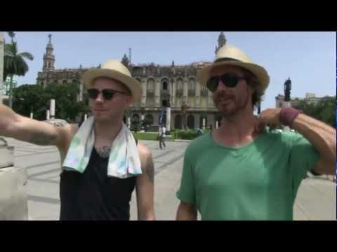 Hit the Road - Gers en Chris in een Cubaanse auto