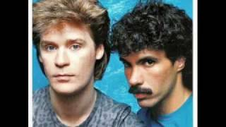 Hall and Oates - Out of Touch thumbnail
