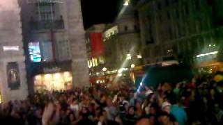 Spain celebrates worldcup at Picadilly Circus