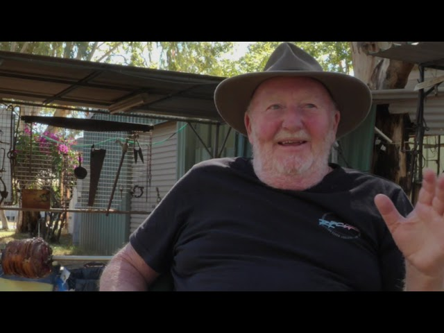 Yarns Along the Track   Errol Gray Backyard Balladeer
