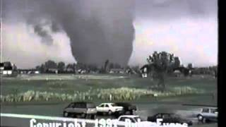 Duke Evans' 1991 video of the Andover tornado(Duke Evans filmed six and a half minutes of the 1991 Wichita/Andover tornado as it crossed into Butler County and did major damage in Andover. At the time ..., 2016-04-19T22:13:46.000Z)