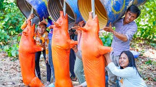 Amazing Crazy ROAST WHOLE PIG Cover By Oil Barrel &amp Digging Underground - Cooking &amp Donate Pig 230KG