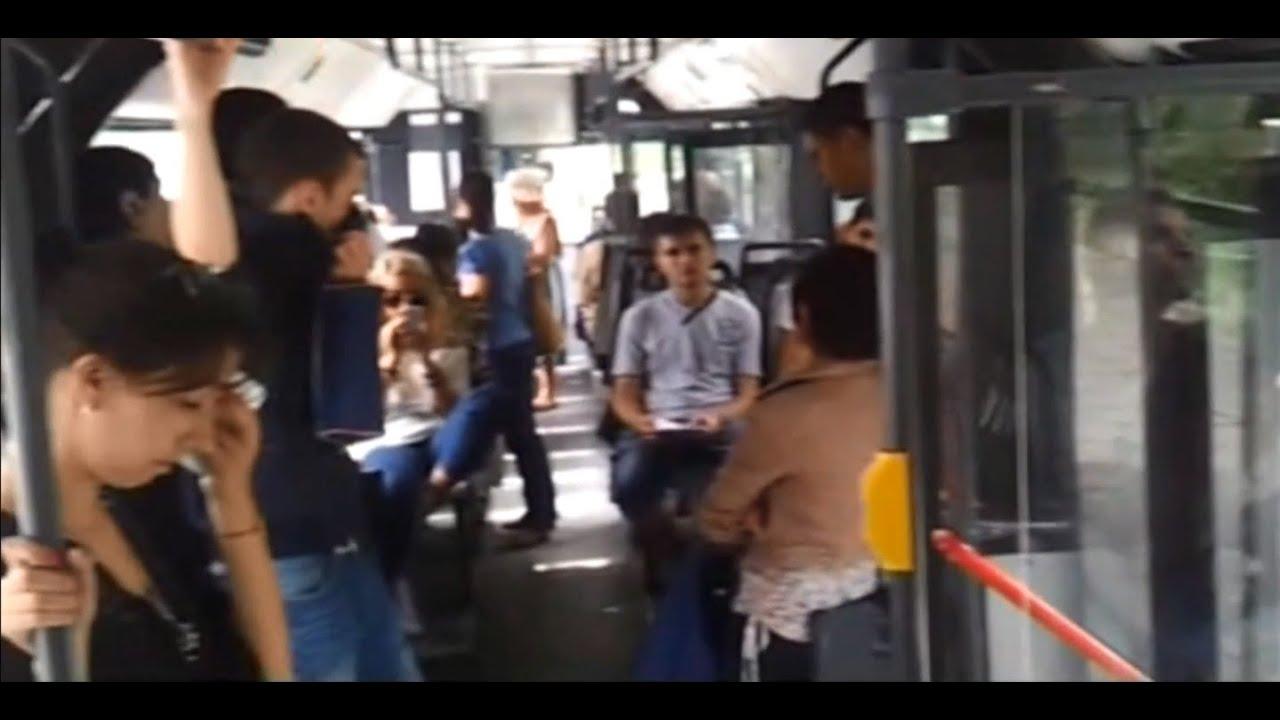 скрита камера в автобуси