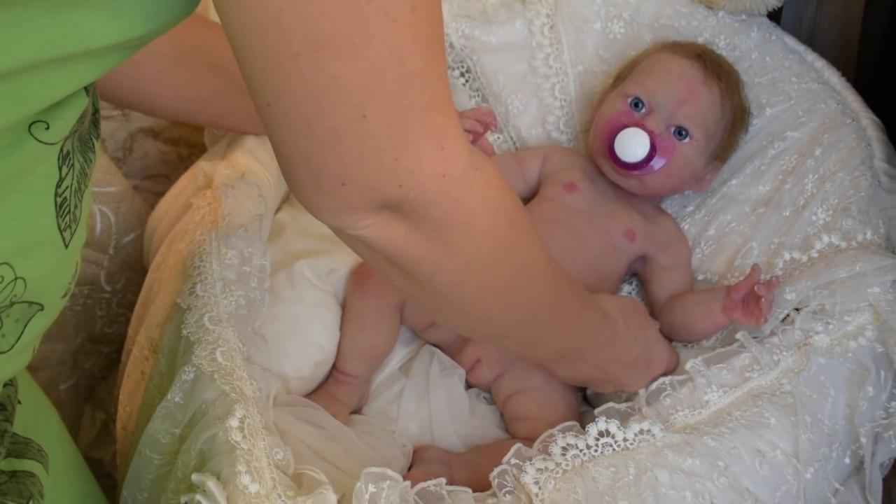 Кукла реборн силиконовая, пьет и писает.