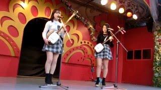 2009年9月16日デビュー 三味線姉妹葵&楓 葵16歳 楓15歳 浅草花やしきを...
