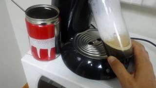 Making Greek Freddo espresso w…