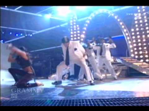 Usher & James Brown Caught Up & Sex Machine Live at 2005 Grammys