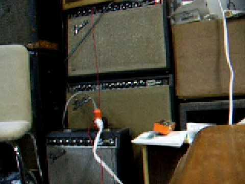 Electro-Harmonix Voice Box #2 - Vocoder, harmonies