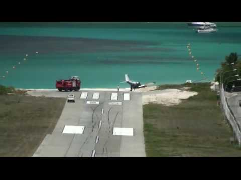 ¡¡¡Saint Barth airport plane crash!!!