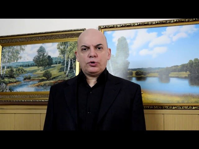Изображение предпросмотра прочтения – ПавелКоротков читает произведение «Сын артиллериста» К.М.Симонова