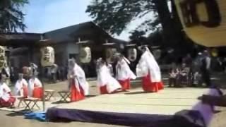 鶴子舞について 「佐竹義仁公が約600年前、鶴岡八幡宮の御分霊を舞鶴城中...