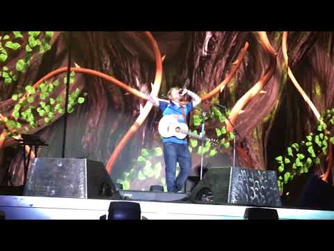 Shape Of You-Mumbai Ed Sheeran Live!