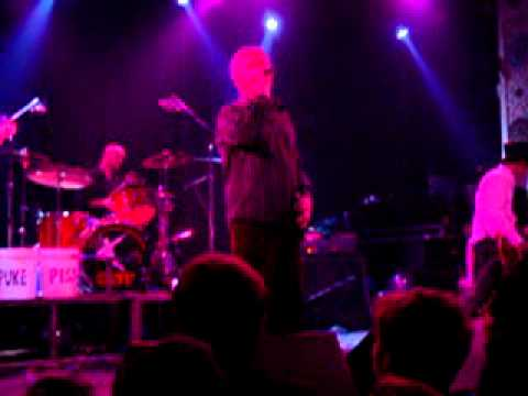 Wished I Was A Giant - Guided By Voices - The Electrifying Conclusion, Chicago - New Years Eve, 2004