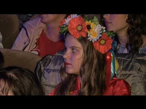 У Полтаві відбувся міжнародний телевізійний фестиваль «Мамина Сорочка». 30ea2f7651110
