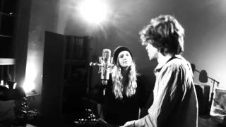Max Prosa & Sarina Radomski - Auf der Suche nach mehr