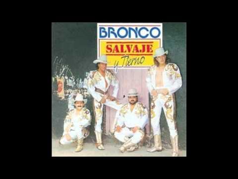 Bronco - Con Zapatos De Tacon [HD]