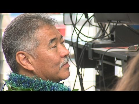 Hawaii Governor David Ige Gets Political In Kona