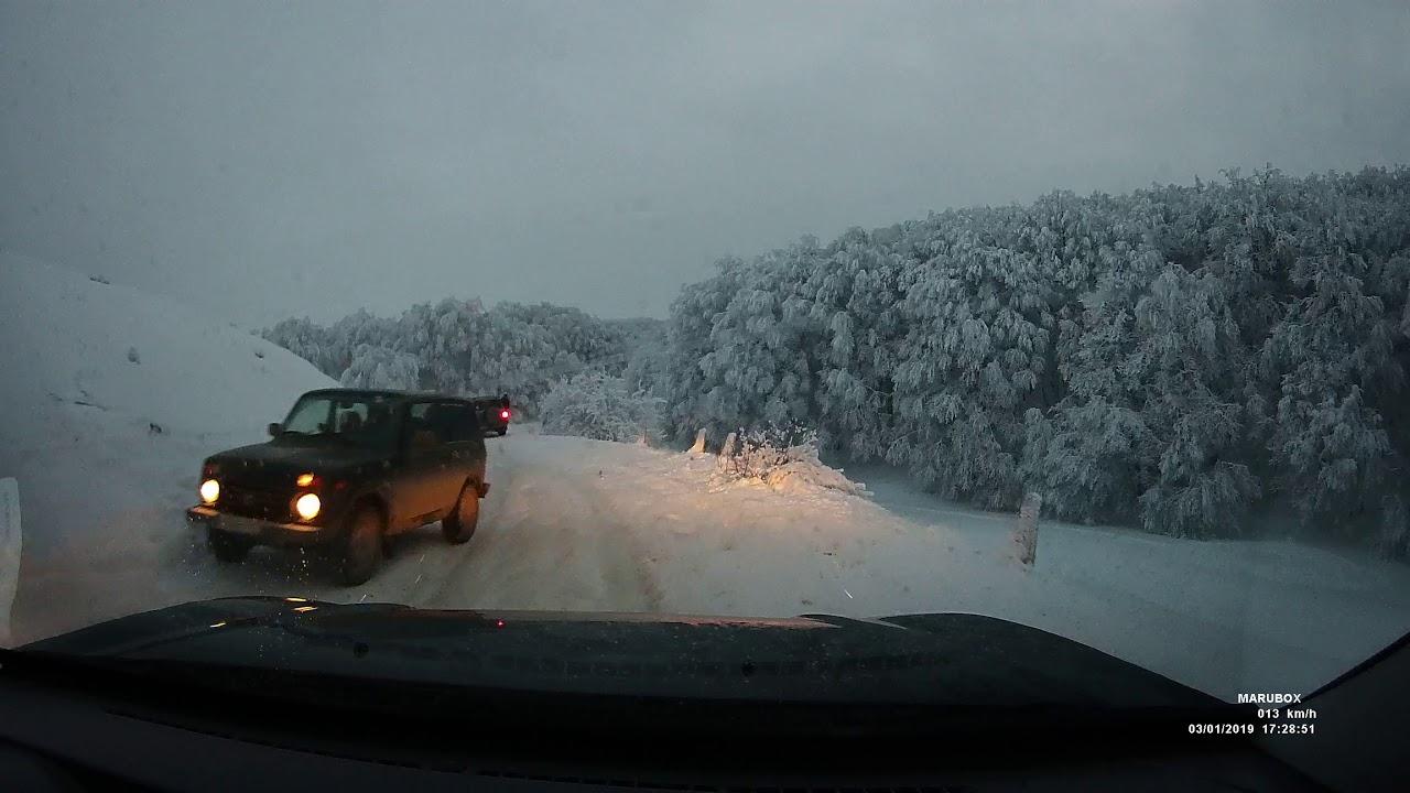 Электроснабжение Крыма восстановлено но 150 машин оказались в снежном плену в районе Ай-Петри