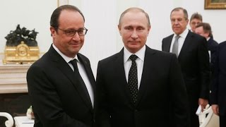 Putin, Hollande Join Forces to Combat IS in Syria