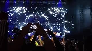 Eminem - Greatest live performance ( intro kamikaze tour) #Eminem #jcole #coleworld