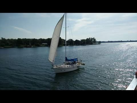 Fantasia 35 Review, Cruising Sailboat, Long Term Live Aboard, Tiny House
