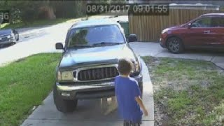 Teen car thief caught on camera in St. Petersburg