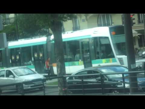 Tramway T3 station Porte de Versailles