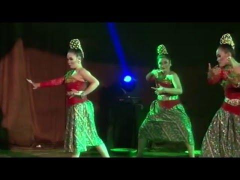 Kembang Doger Karawang (Indonesian Traditional Dance)