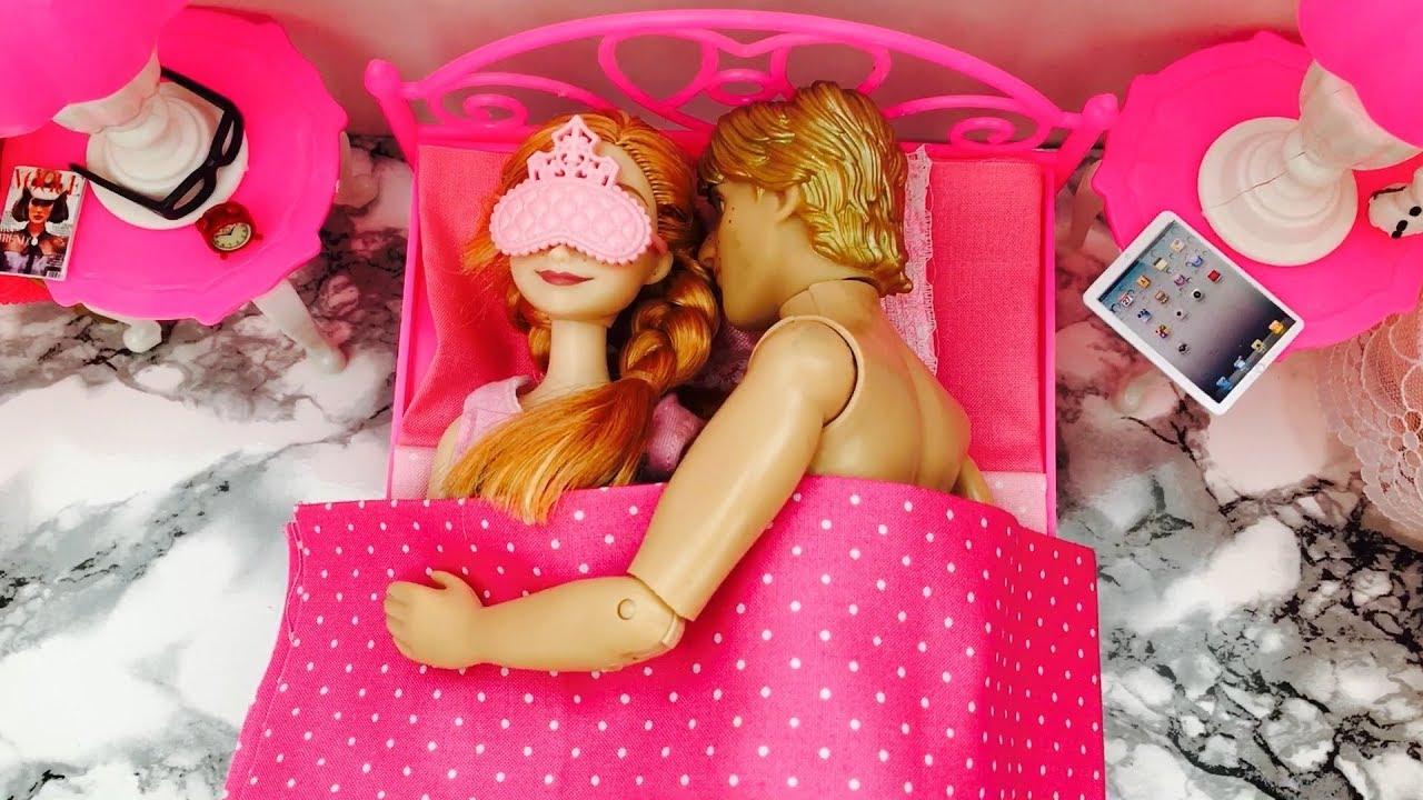 Chambre de princesse anna la reine des neiges poup e - Barbie princesse des neiges ...