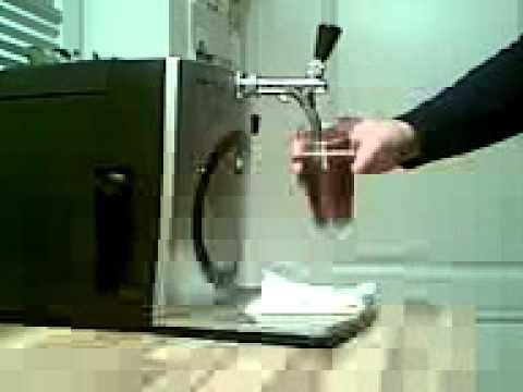 zapfen mit der umgebauten clatronic zapfanlage 2 youtube. Black Bedroom Furniture Sets. Home Design Ideas