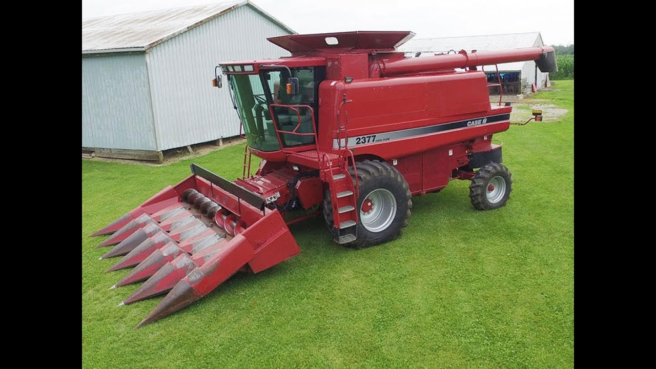 CaseIH 2377 Combine with 1754 Engine Hours Sold on Ohio Farm Auction
